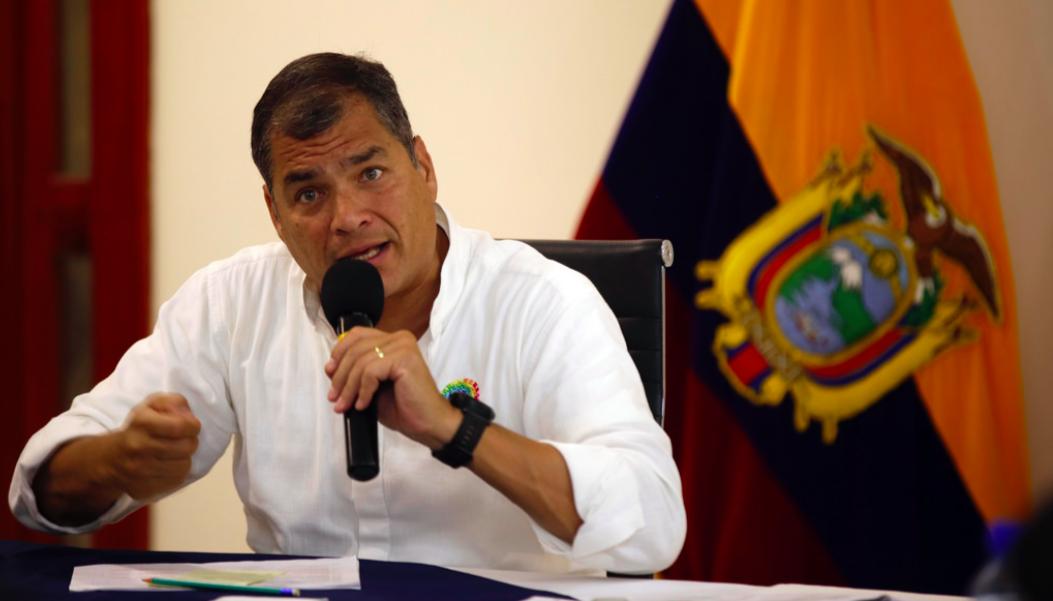 Bahía de Caráquez (Manabí), 11 de octubre 2016.- El Presidente de la República, Rafael Correa, mantuvo un conversatorio con medios de comunicación nacionales para informar sobre la agenda cumplida en la provincia de Manabí. Foto: Eduardo Flores / Presidencia de la República