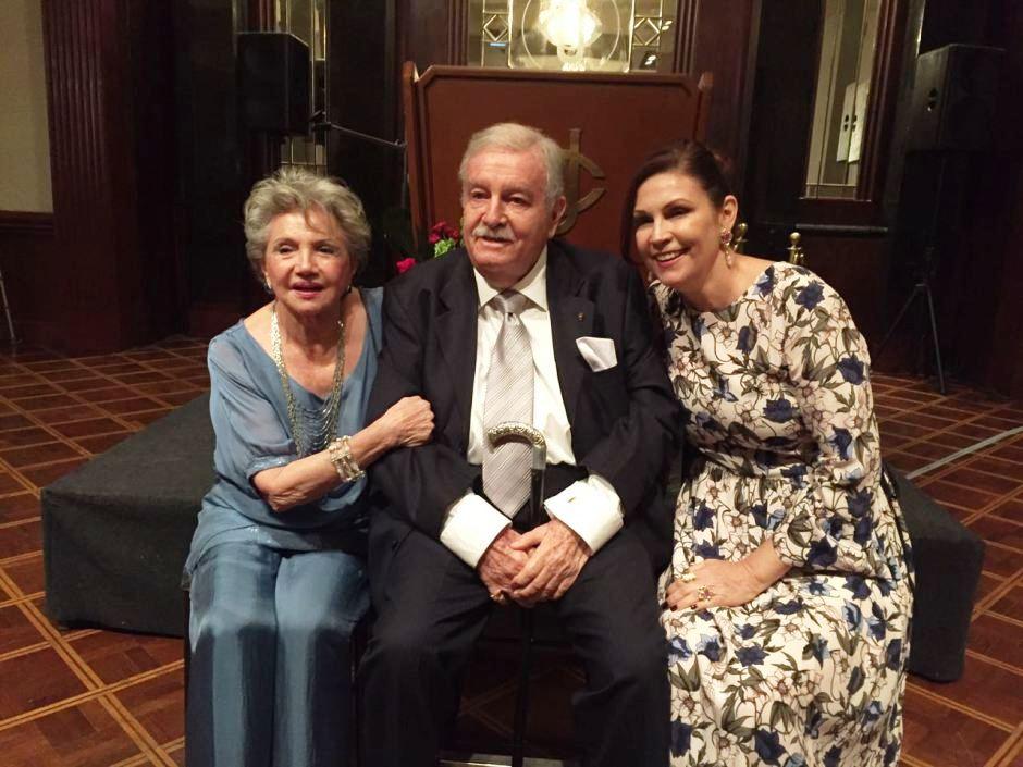 Martha Ceballos de Sáenz, José Baquerizo, y Paula Baquerizo.