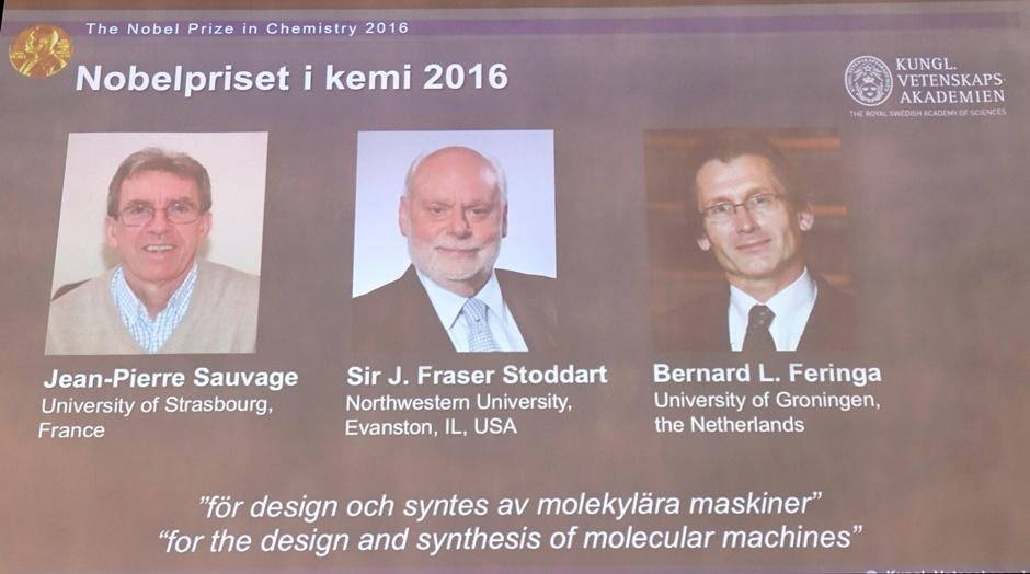 La foto muestra a los tres ganadores del premio Nobel de química 2016, anunciados por la Real Academia Sueca de Ciencias el miércoles 5 de octubre de 2016 en Estocolmo. Ellos son, se izquierda a derecha, Jean-Pierre Sauvage, Fraser Stoddart y Bernard Fering (Henrik Montgomery /TT via AP)