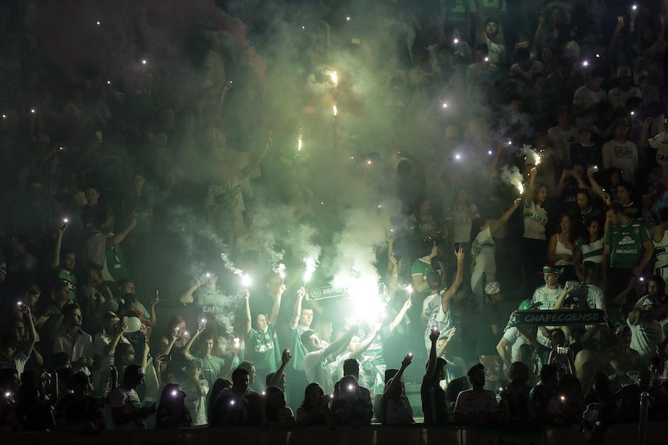 Bienvenida de héroes a jugadores colombianos en Chapeco - La República Ecuador