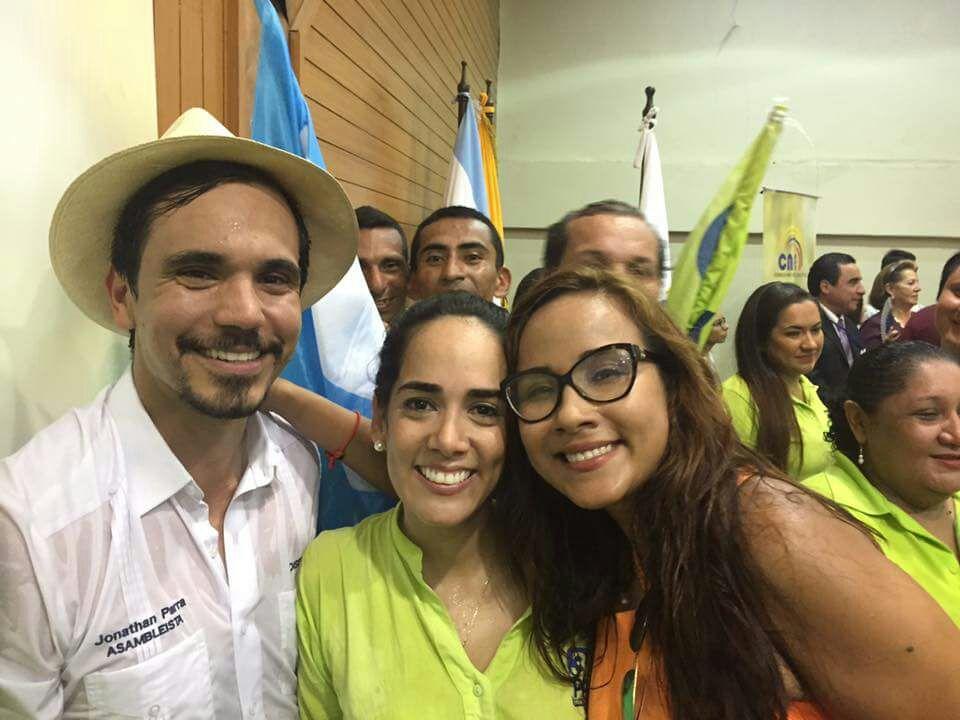 La jueza Collantes y Viviana Bonilla durante la anterior campaña electoral.
