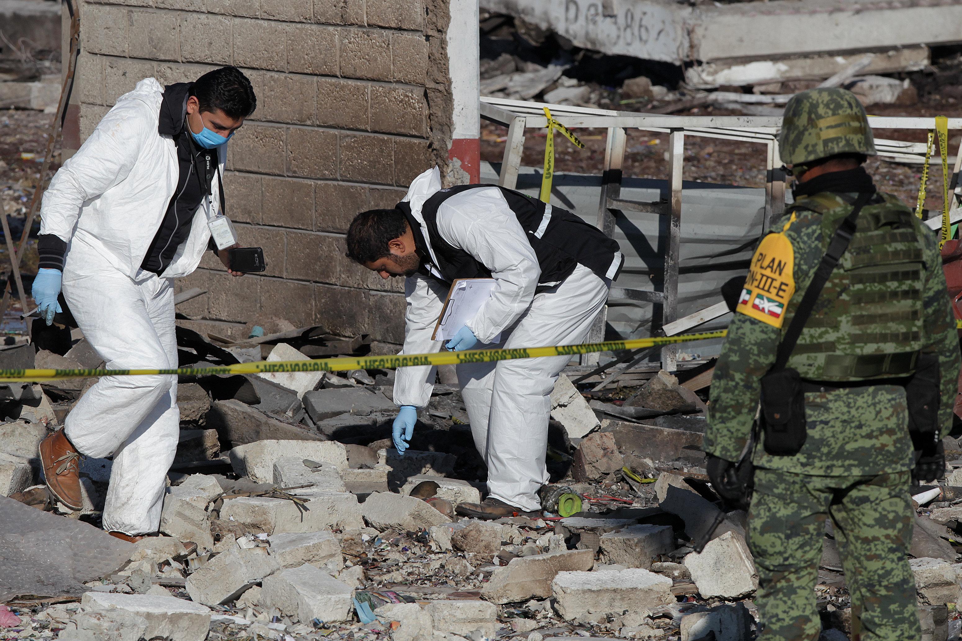 EXPLOSIÓN EN MERCADO MEXICANO LLEVA BALANCE DE 31 MUERTOS Y 12 DESAPARECIDOS
