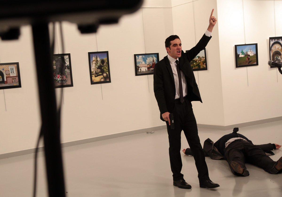 La foto del supuesto atacante del embajador ruso en Ankara, Andréi Kárlov