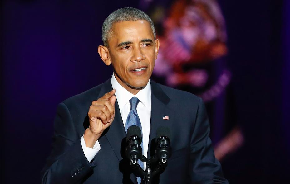 CHICAGO (EE.UU.), 10/01/2017.- El presidente de Estados Unidos, Barack Obama, habla hoy, martes 10 de enero de 2017, durante su discurso de despedida como mandatario de los estadounidenses, en e McCormick Place de Chicago, Illinois (EE.UU.). Obama comenzó hoy su discurso de despedida dando las gracias a todos sus compatriotas por haberle hecho un «mejor» mandatario y un «mejor hombre» durante estos últimos ocho años. EFE/KAMIL KRZACZYNSKI
