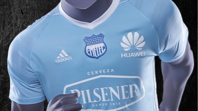 Emelec presentó camiseta para Copa Libertadores 2017 – La República EC 947e5474a6f