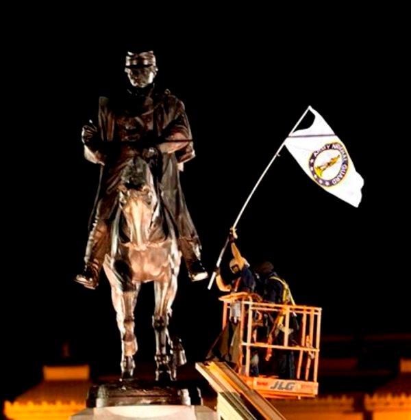 monumento exclavista 1