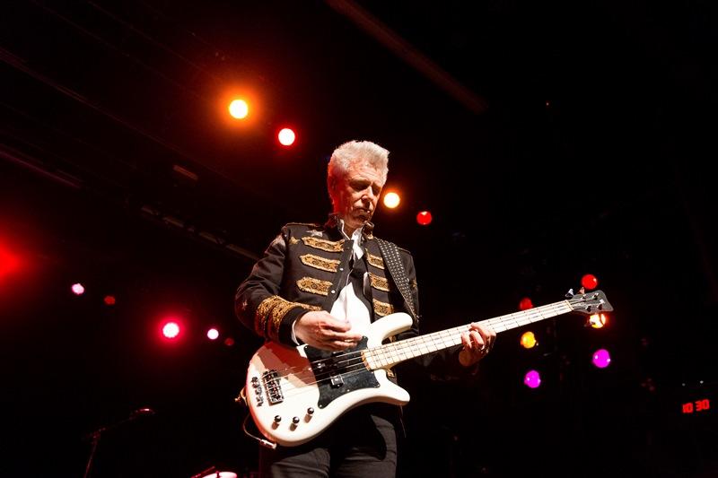 U2-ADAM CLAYTON