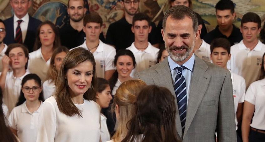 LOS REYES EN LA XII EDICIÓN DEL PROGRAMA 'BECAS EUROPA'