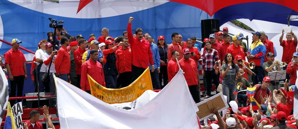 Maduro propone a oposición unirse a una «mesa de paz» ante la Constituyente