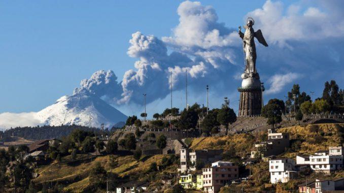 Moreno Destaca Los 40 Anos De Quito Como Patrimonio Cultural La Republica Ec