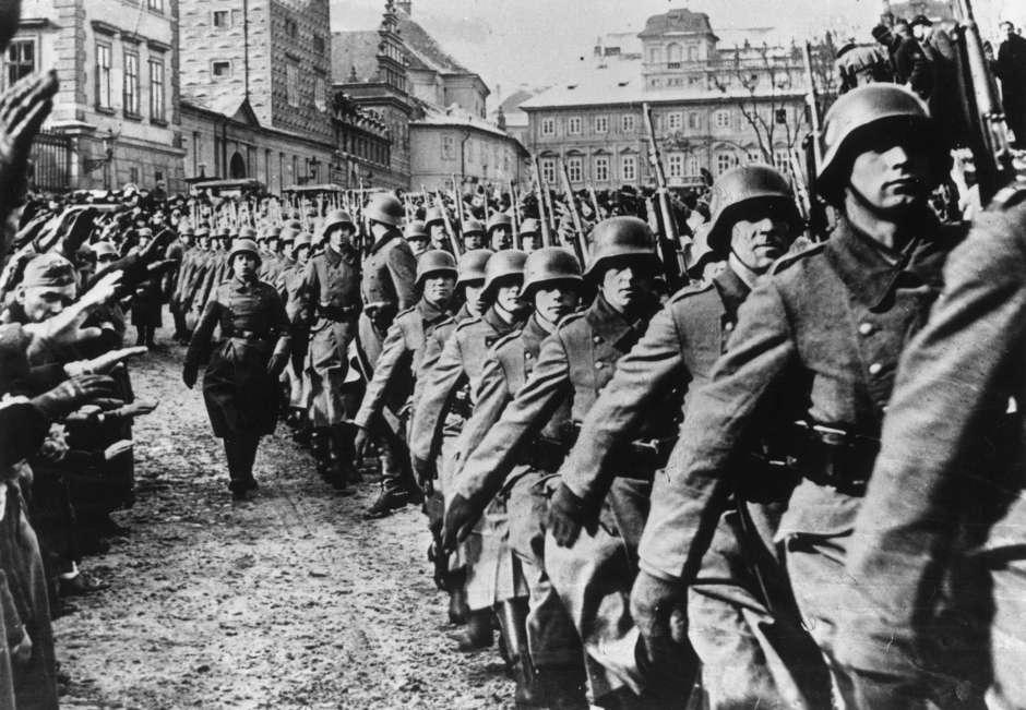 Tropas marchan a polonia