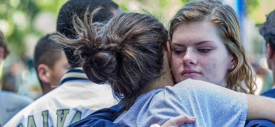 Ceremonia en memoria de las víctims del tiroteo de Florida