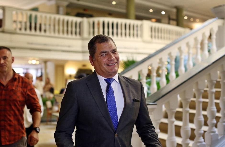 Correa: relacionarme con FARC es una cortina de humo por desastre en frontera