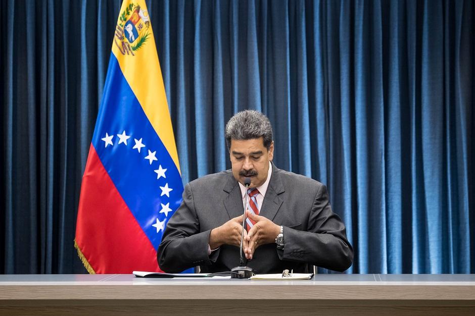 Maduro se reúne con los dueños y directores de medios de comunicación