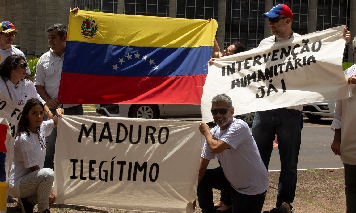 Venezolanos piden a Bolsonaro que nos les deje «solos» y presione a Maduro