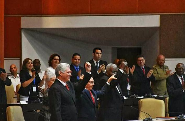 Raul Castro y otros