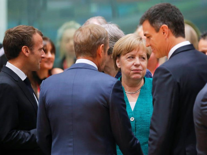 Merkel-rodeada-por-Sánchez-Tusk-y-Macron-1440×1080
