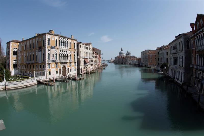Venecia sin amor