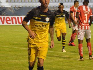 Barcelo le gana 2-0 a Técnico Universitario