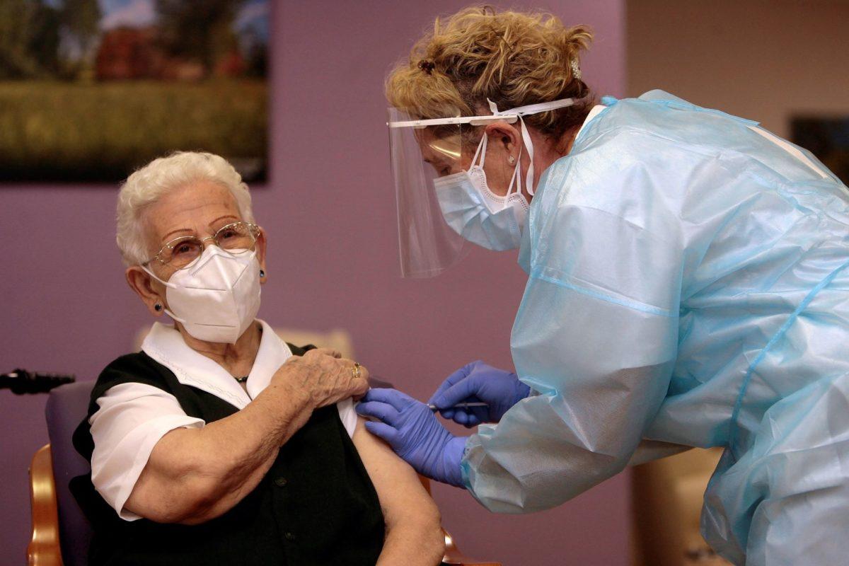España empieza a vacunar